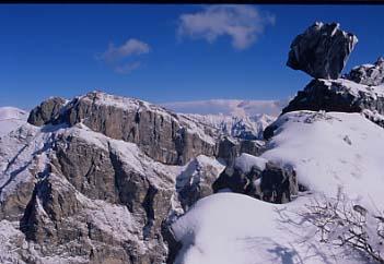 inverno_dal_Toraggio_il_masso_sullo_sfondo_il_Pietravecchia